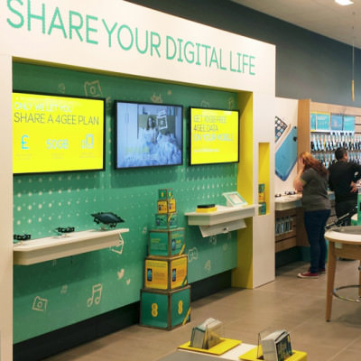 EE - Lightboxes In-Store